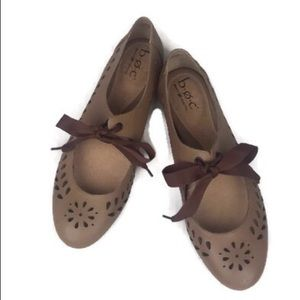 Born B.O.C Light Brown Perforated Bow Lace Flat